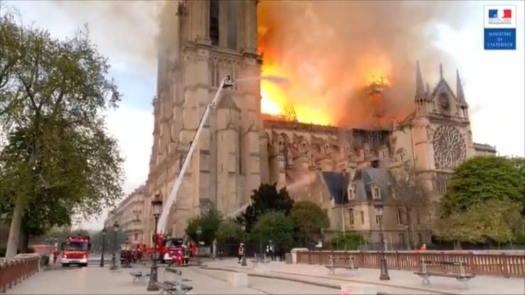 """Są wstępne wyniki śledztwa ws. pożaru Notre Dame. Wykluczono """"wątek przestępczy"""""""