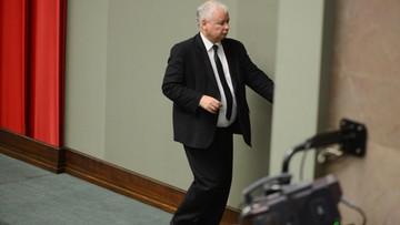 """""""Kaczyński rzeczywiście nie traktuje UE jak supermarketu. W supermarkecie należałoby zapłacić"""". """"SZ"""" popiera słowa Macrona"""