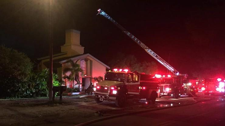 Podpalono meczet, do którego uczęszczał sprawca strzelaniny w Orlando
