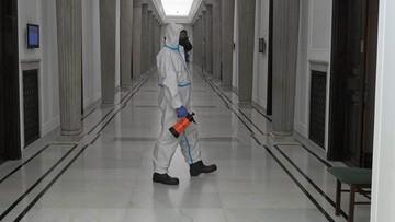 Prawie 12 tys. nowych przypadków koronawirusa. Kilkaset kolejnych ofiar