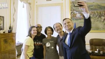 Turyści na herbatce u Andrzeja Dudy. Nowy, mniej oficjalny profil twitterowy Kancelarii Prezydenta