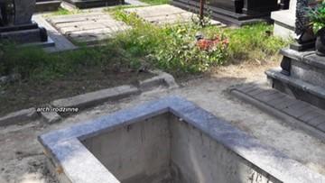 Grób matki i ciotki zniknął. W jego miejscu pochowano obcą osobę