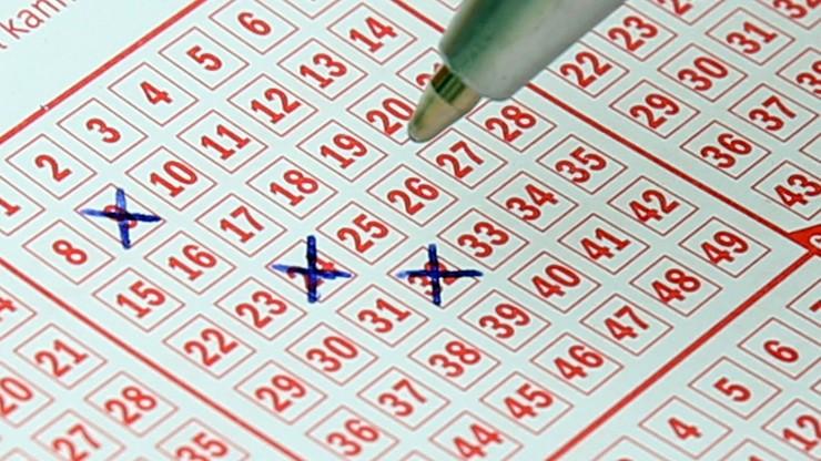 W ciągu półtora roku dwukrotnie wygrał na loterii. Szansa równa 1 na 16 bilionów