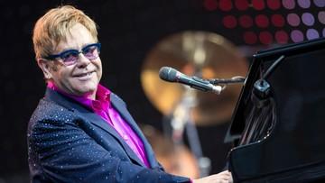 """Elton John zapadł na """"potencjalnie śmiertelną"""" infekcję. Wyszedł już ze szpitala"""