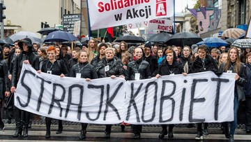 """Finał """"Czarnego poniedziałku"""". Tłumy protestujących w polskich miastach. """"Beata niestety, twój rząd obalą kobiety"""""""