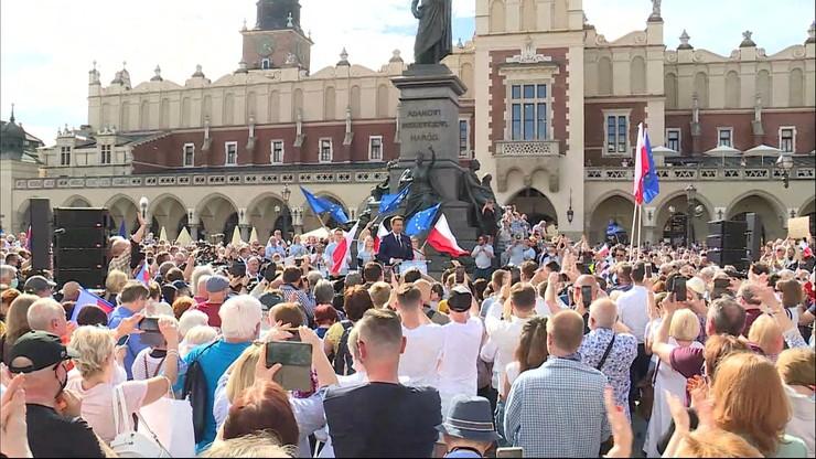 """Trzaskowski w Krakowie. """"Wychodzę z wami »na pole« upomnieć się o lepszą Polskę"""""""