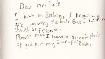 """6-latka z Wielkiej Brytanii napisała do Tuska ws. brexitu. """"Narysowałam panu jednorożca"""""""