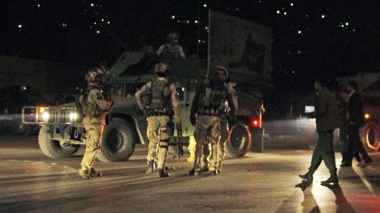 Talibowie zabili w zasadzce ok. 100 żołnierzy i policjantów