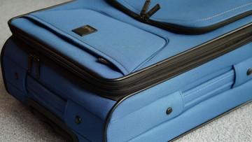 Pasażer zażartował, że może mieć bombę w bagażu. Zapłacił karę i nie poleciał