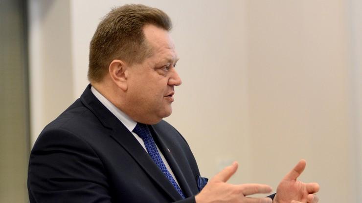 Prokuratura w Białymstoku umorzyła dochodzenie ws. wypadku, w którym ucierpiał wiceszef MSWiA