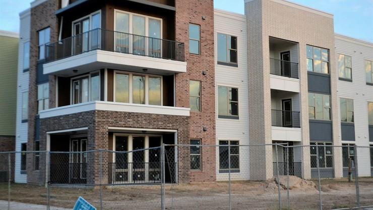 Polacy zgłaszają się po coraz więcej kredytów mieszkaniowych
