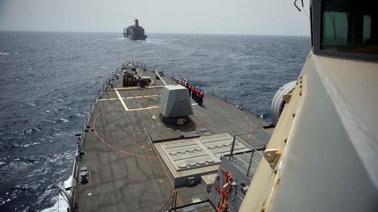 """Incydent między okrętami USA i Iranu. Mowa o """"nękających manewrach"""""""