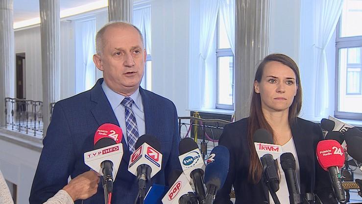 """PO-KO chce dymisji ministra środowiska. Kowalczyk """"przyjmuje wniosek z pokorą"""""""