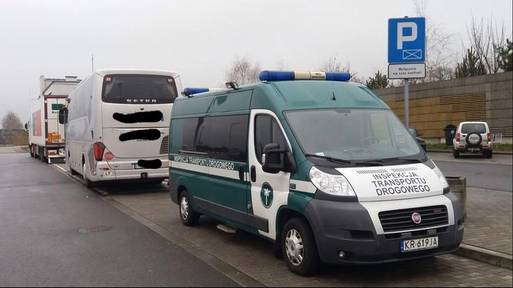 Pijani kierowcy autokaru wiozącego dzieci zatrzymani na A4
