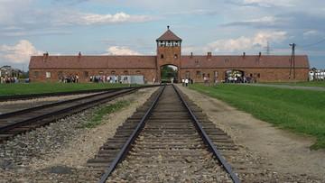 """Auschwitz """"polskim obozem"""". Tak napisały hiszpańskie dzienniki. Ambasada interweniuje"""