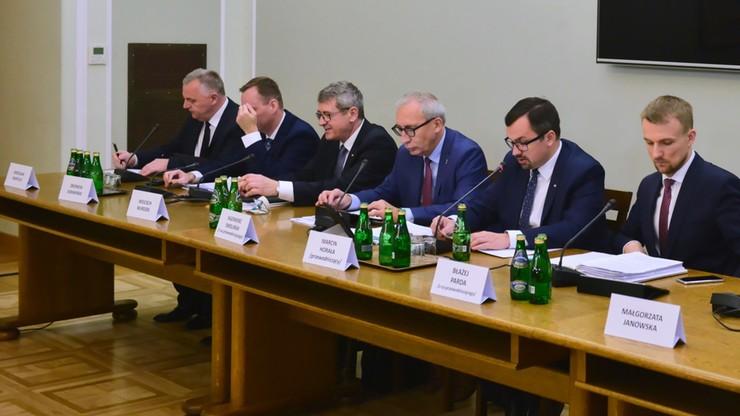 Horała: projekt końcowego raportu komisji śledczej ds. VAT - pod koniec lipca