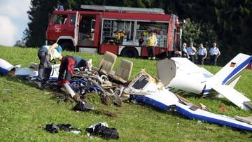 Katastrofa samolotu. Na pokładzie para zakochanych