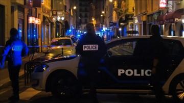 Atak nożownika w centrum Paryża. Nie żyje jedna osoba, napastnika zastrzeliła policja