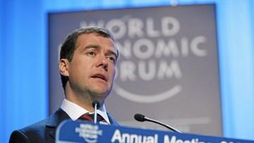 Miedwiediew: zaostrzenie sankcji przez USA równałoby się wypowiedzeniu wojny gospodarczej