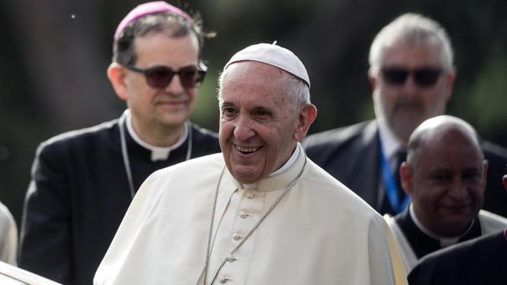 Papież: biskup nie jest urzędnikiem, ale pasterzem