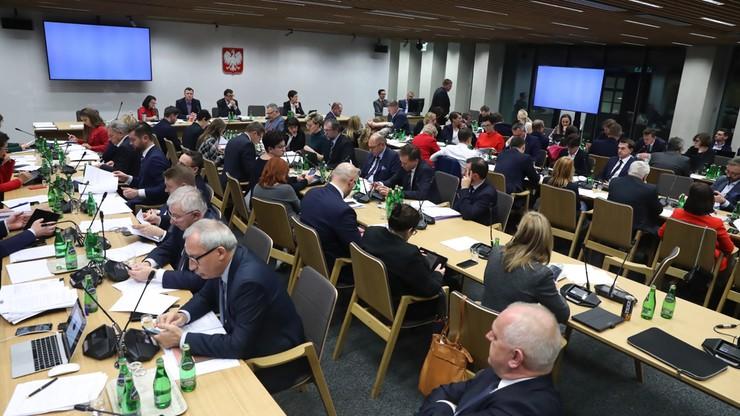 Poprawki PiS przyjęte przez komisję sprawiedliwości. Ustawa dyscyplinująca sędziów w Sejmie