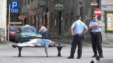 Koronawirus w Warszawie. Straż miejska zawiezie nietrzeźwych do domu