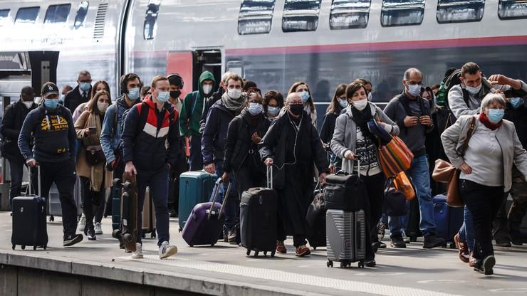 """Francja. """"Lato może być koszmarem"""". Ekspert o powrocie pandemii i luzowaniu obostrzeń"""
