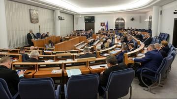 """Senat: komisje negatywnie o poprawkach PO do ustawy """"Za życiem"""""""