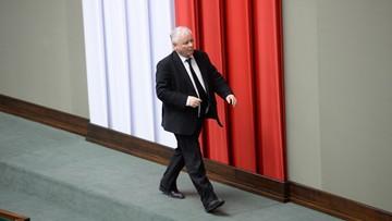 """""""Muszą zostać twardą ręką przełamane"""". Kaczyński o """"resortowych kłopotach"""" w rządzie"""