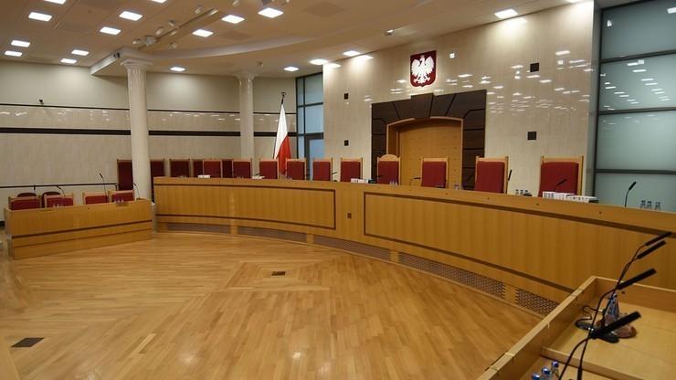 Justyn Piskorski kandydatem klubu PiS do Trybunału Konstytucyjnego. A co pisał o ojcostwie i przemocy w rodzinie