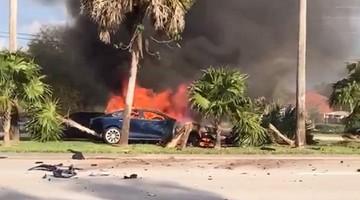 Spłonął żywcem w Tesli. Próbowano go ratować, ale nie wysunęły się klamki