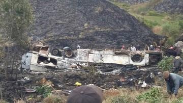 Autokar spadł w przepaść i spłonął. Co najmniej 34 ofiary wypadku na Madagaskarze