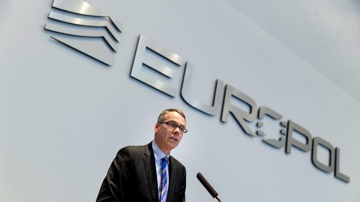 Europol: przemytnicy ludzi zarobili 3-6 mld euro w 2015 roku