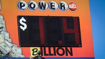 Milionerzy liczą na miliard. Owieczkin i Anthony kupili losy Powerball