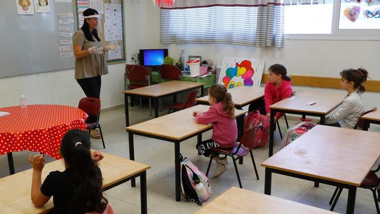 Izrael. Bez paszportu covidowego nauczyciele nie dostaną pensji