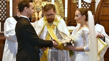 Kandydat na prezydenta wziął ślub. Opowiedział o wybrance