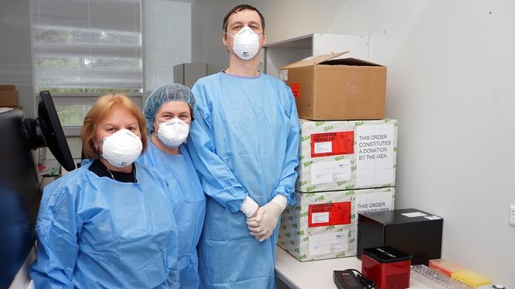 Łotwa. Szczepienia obowiązkowe dla pracowników służby zdrowia i oświaty