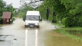 31.08.2021 05:58 Pierwsza ofiara powodzi na południu kraju. Przejeżdżał zalaną drogą, porwała go rwąca rzeka