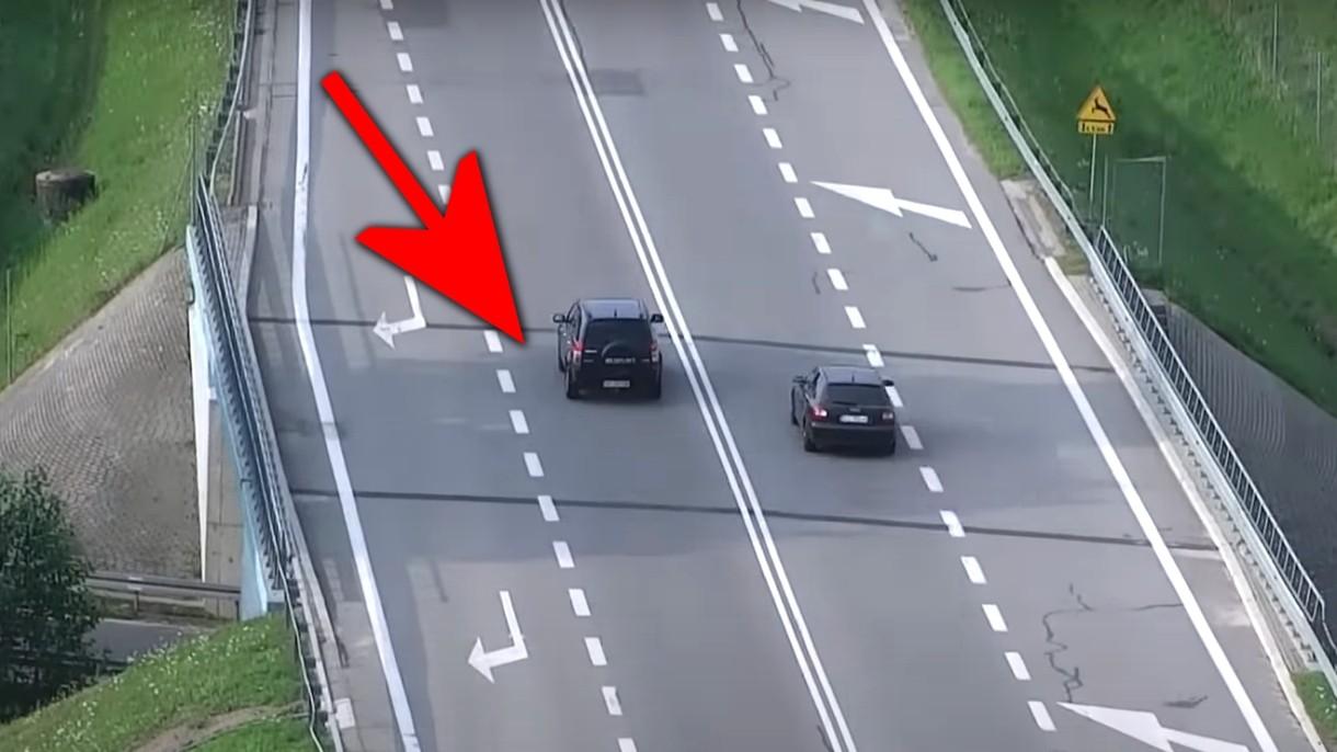 Zobacz, jak polska policja wyłapuje piratów drogowych za pomocą dronów [WIDEO]