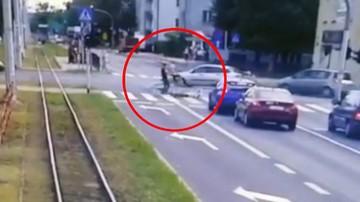 Śmiertelne potrącenie 86-latki na przejściu dla pieszych. Policja zatrzymała dwóch 15-latków