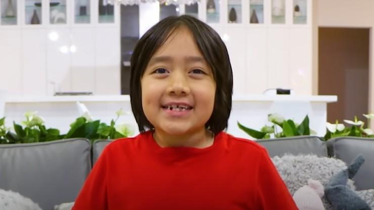 9-letni Ryan Kaji zarabia najwięcej na YouTube. Testuje zabawki i bawi się z mamą