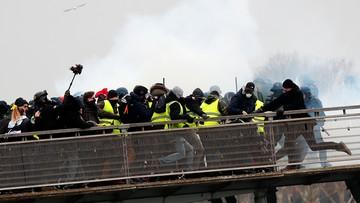 """W Paryżu kolejne starcia """"żółtych kamizelek"""" z siłami bezpieczeństwa"""