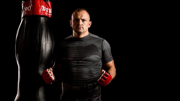 Sylwester Kołecki podpisał kontrakt z Babilon MMA