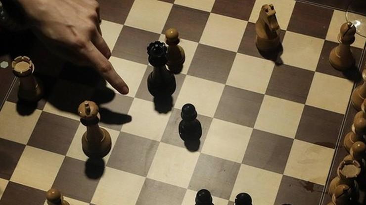Turniej szachowy!? Właściciel tłumaczył się policji z obecności 300 gości w hotelu