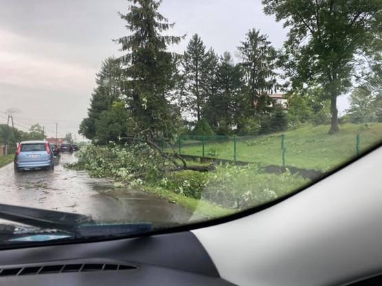 Utrudnienia na lokalnych drogach w pow. tarnowskim