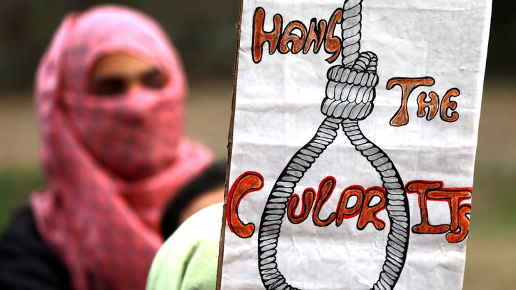 Indie: kara śmierci za gwałt na dzieciach do 12 roku życia. Reakcja na dramat 8-letniej dziewczynki