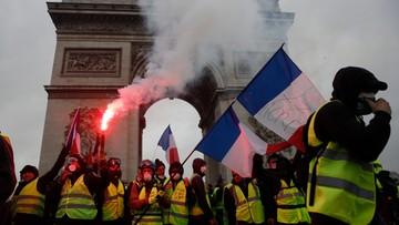 """Jest twarzą protestu """"żółtych kamizelek"""". Od 10 lat dostaje 2,6 tys. euro za nic nierobienie"""