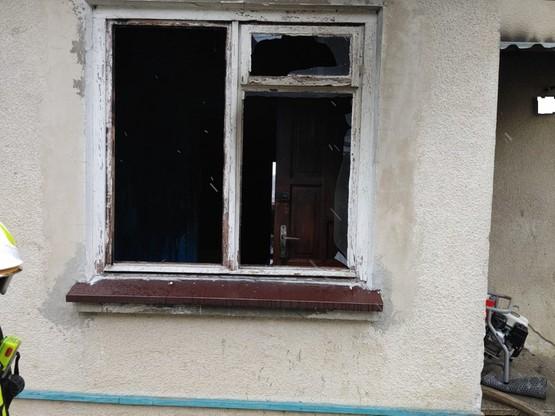 Ewakuowali niepełnosprawnego przez okno. Pożar w Przysietnicy