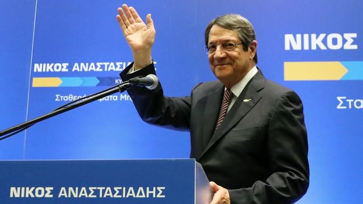 Obecny prezydent Cypru prowadzi w wyborach. Konieczna będzie druga tura
