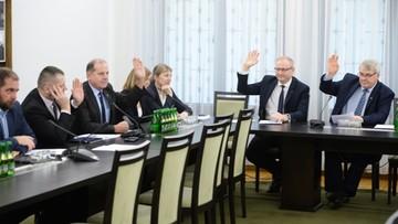 Senacka komisja za przyjęciem ustaw o SN i KRS bez poprawek. Głosowania jeszcze w piątek
